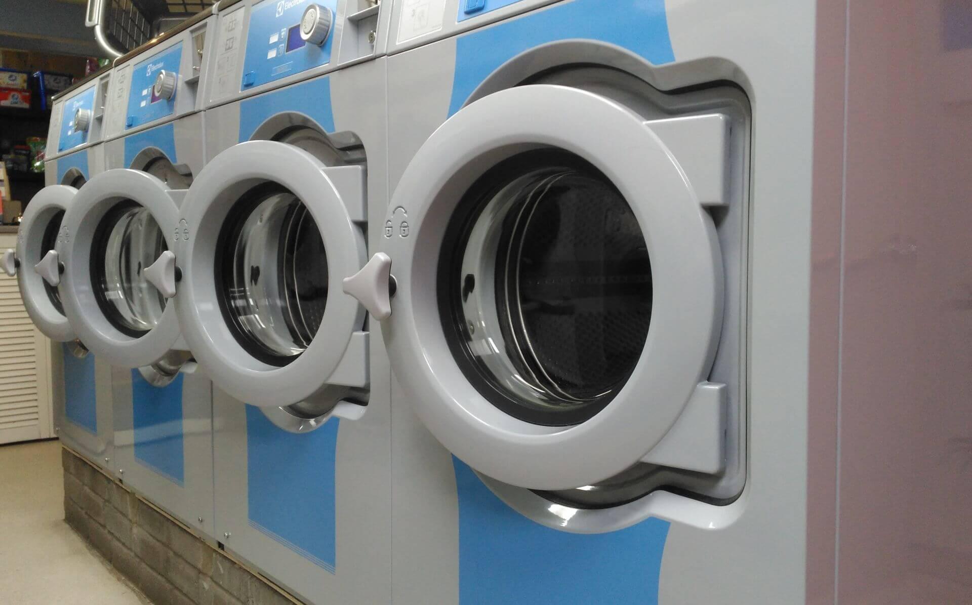Drift-In laundry washing machines